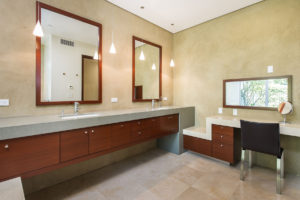 Pasadena Residence: Bathroom
