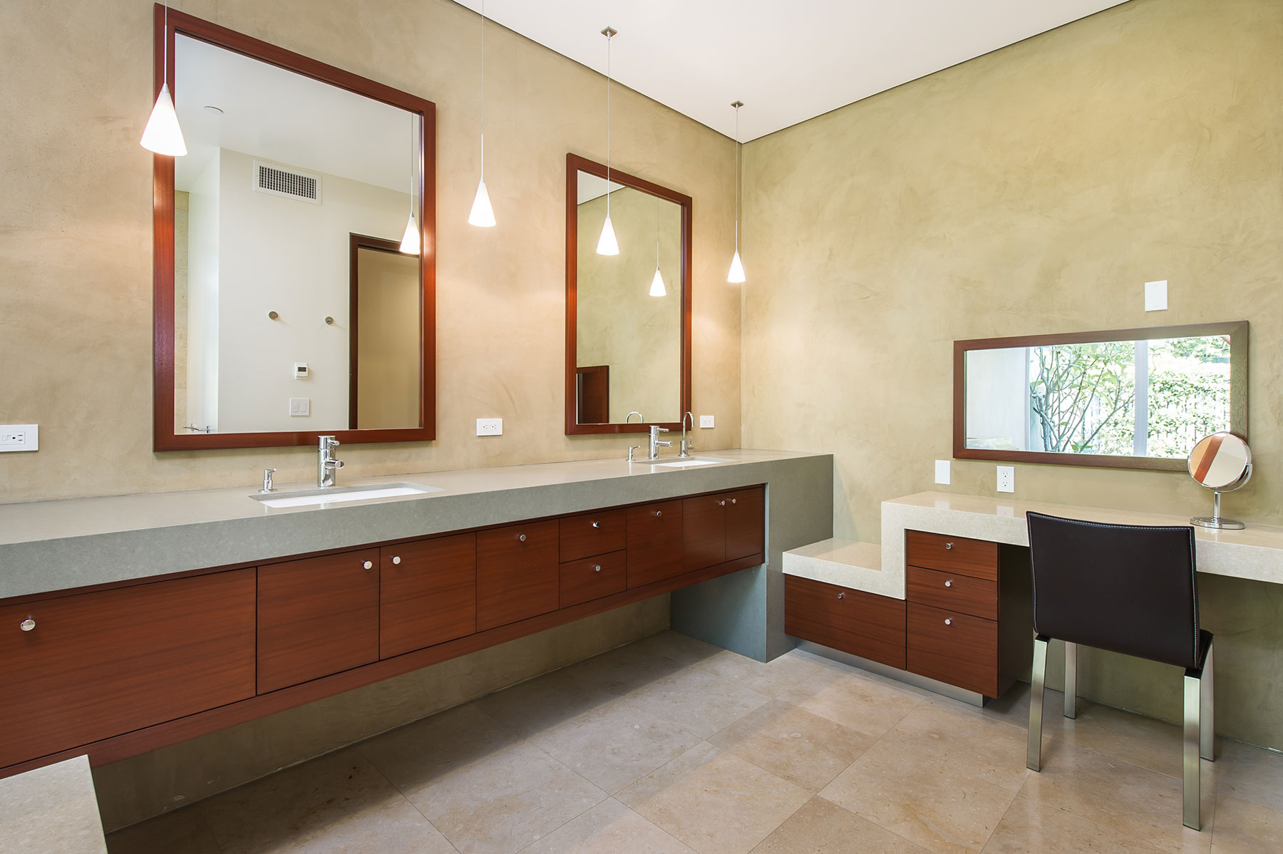 Modern Bathroom by Cactus, Inc.