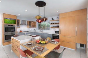 Los Angeles Residence: Kitchen